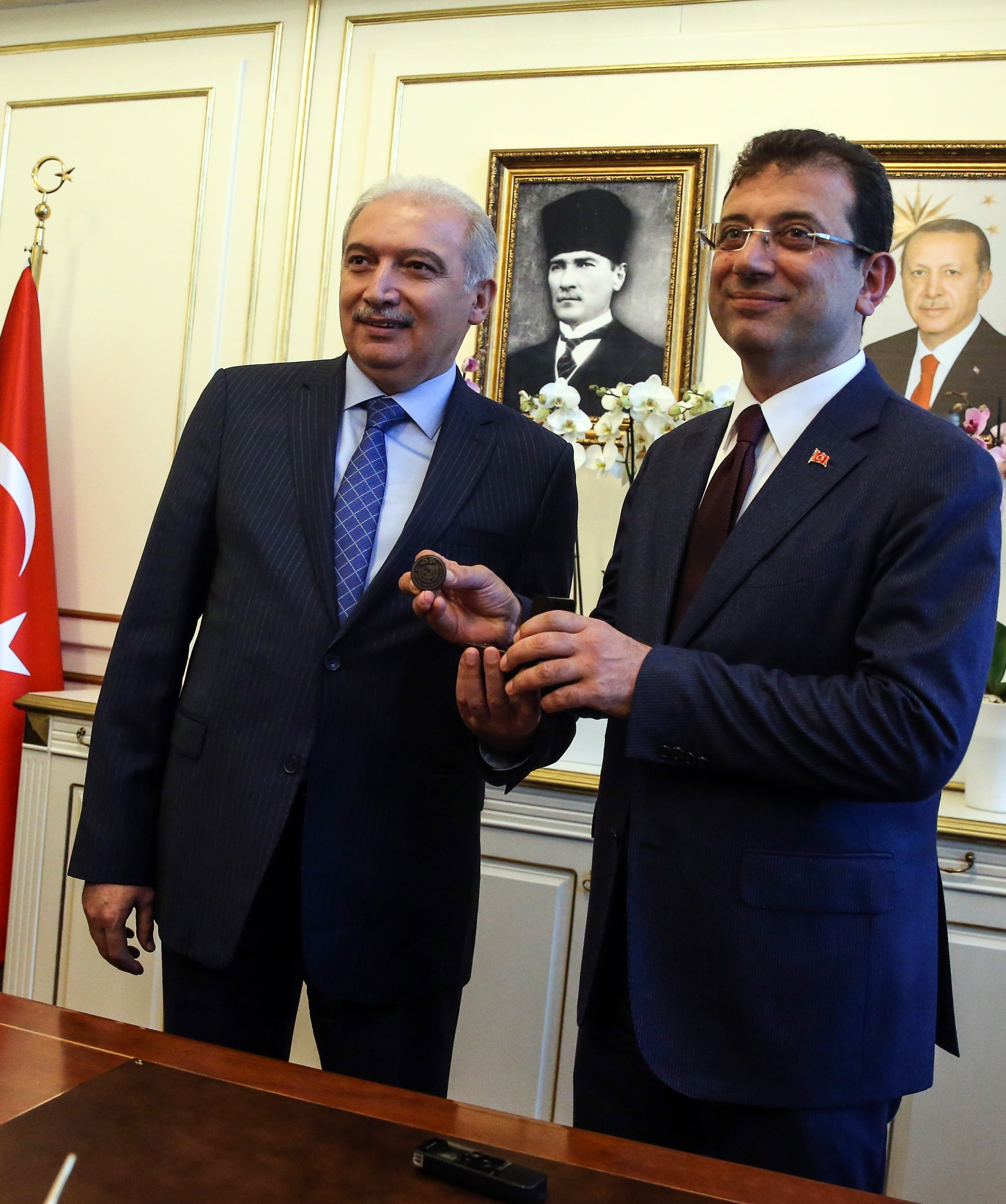 Ekrem İmamoğlu hd foto
